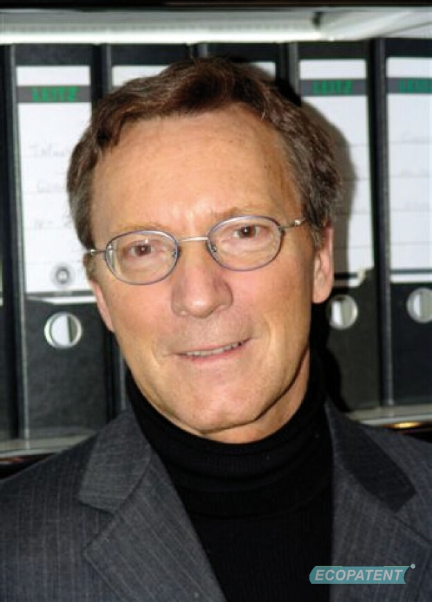 Prof. Dr. med Axel Kramer, former President of the German Association for Hospital Hygiene and specialist for Hygiene and Environmental Medicine at Greifswald University